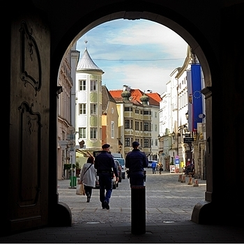 Entering historic district of Linz | LENS MODEL NOT SET