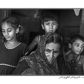 Local Family | LEICA SUMMICRON 50MM F2 <br> Click image for more details, Click <b>X</b> on top right of image to close