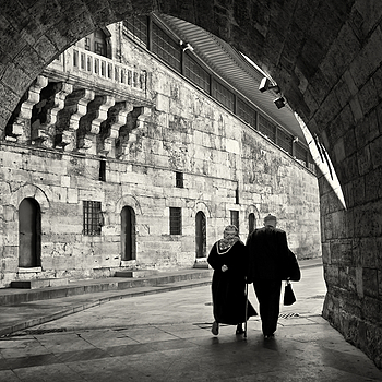 Towards the light, Eminonu, Istanbul | ZEISS ZM BIOGON T* F2.8 28MM