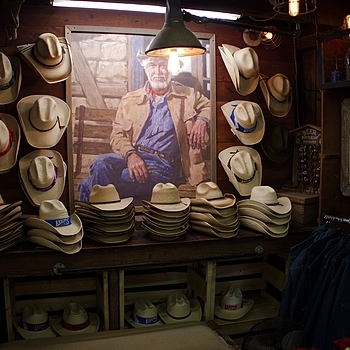 Cowboy Hat Selection | DG SUMMILUX 15MM F1.7 ASPH