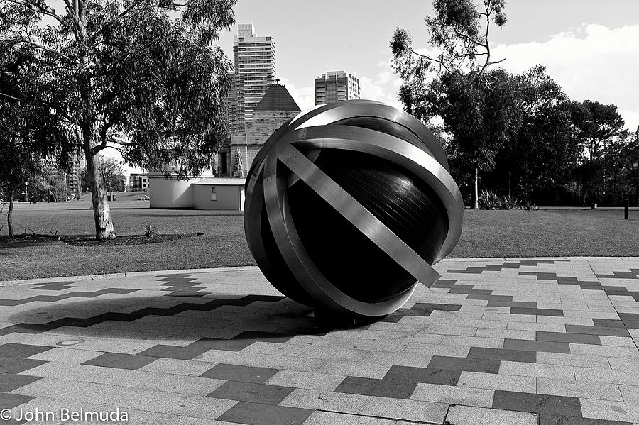 The Ball | LEICA SUMMICRON 35MM F2 1ST VERSION <br> Click image for more details, Click <b>X</b> on top right of image to close