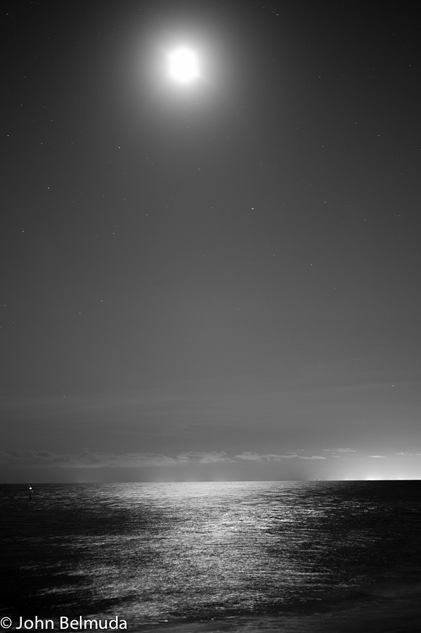 Moonlight over the sea | SUMMILUX-M 1:1.4/50 ASPH <br> Click image for more details, Click <b>X</b> on top right of image to close