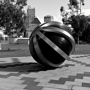 The Ball | LEICA SUMMICRON 35MM F2 1ST VERSION