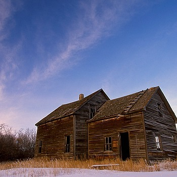 old farmhouse Saskatchewan | CV 15MM / F 4.5 SUPER WIDE HELIAR <br> Click image for more details, Click <b>X</b> on top right of image to close