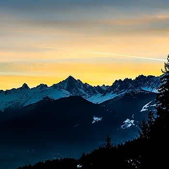 Sunrise over the French Alps | LEICA SUMMICRON 35MM F2 ASPH