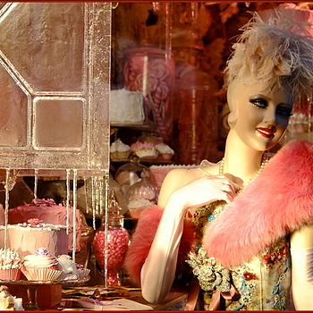 Bergdorf's holiday window | LENS MODEL NOT SET <br> Click image for more details, Click <b>X</b> on top right of image to close