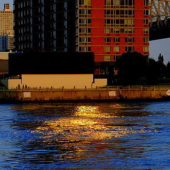 East River reflections | LENS MODEL NOT SET <br> Click image for more details, Click <b>X</b> on top right of image to close