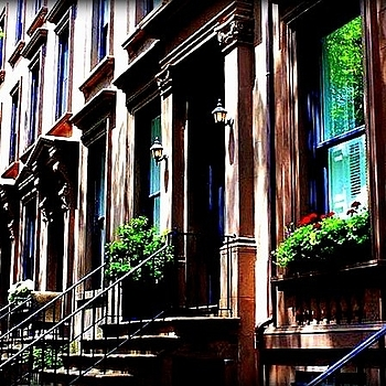 Beautiful old brownstones | LENS MODEL NOT SET