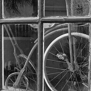 Bicycle Shop | LEICA SUMMICRON 50MM F2 (RIGID) <br> Click image for more details, Click <b>X</b> on top right of image to close