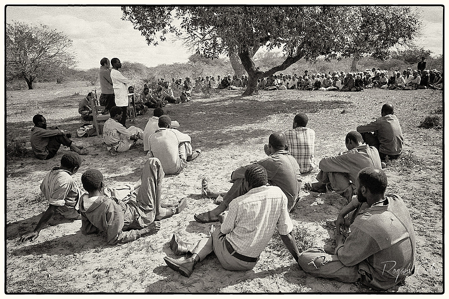 A local nduma | LEICA ELMARIT 28MM F2.8 <br> Click image for more details, Click <b>X</b> on top right of image to close
