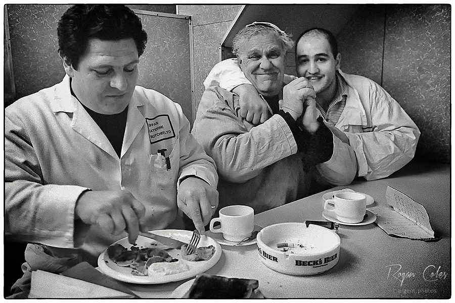 leicaimages.com gallery | Breakfast at Smithfield Market | Leica ELMARIT 28mm f2.8 | M3