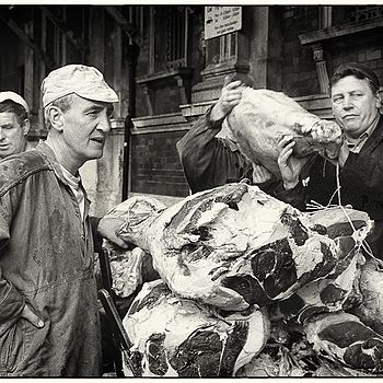 Bummarees at work at Smithfield Market