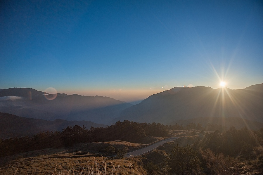 hehuanshan sunrise | LEICA 21MM F/4.0 SUPER ANGULON 1968–92 (SCHNEIDER) <br> Click image for more details, Click <b>X</b> on top right of image to close