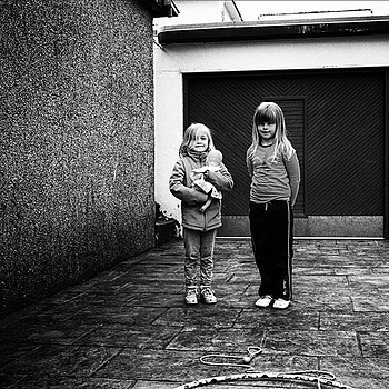 Sister's act | LEICA SUMMICRON 35MM F2 ASPH <br> Click image for more details, Click <b>X</b> on top right of image to close