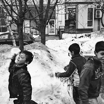 snow fight 1 | LEICA ELMARIT 28MM F2.8 ASPH <br> Click image for more details, Click <b>X</b> on top right of image to close