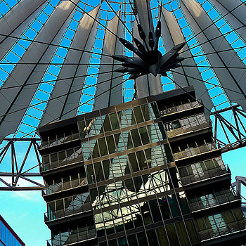 Sony Center Berlin | LENS MODEL NOT SET <br> Click image for more details, Click <b>X</b> on top right of image to close