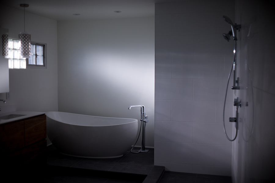 leicaimages.com gallery | Remodeled Bathroom | Canon LTM 35mm f2 | M9