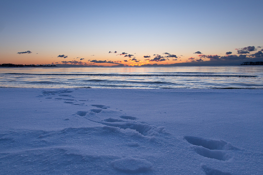 Snowprints at Sunrise | LENS MODEL NOT SET <br> Click image for more details, Click <b>X</b> on top right of image to close