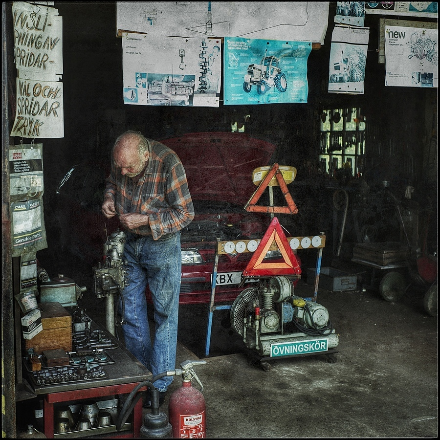 Man in workshop | LEICA SUMMICRON 35MM F2. <br> Click image for more details, Click <b>X</b> on top right of image to close