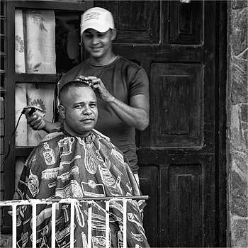 Hair Cut | LEICA TELE-ELMARIT 90MM F2.8 (SLIM)