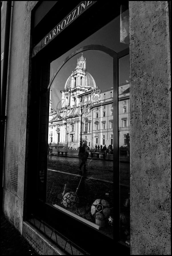 Reflexes (Piazza Navona) | LENS MODEL NOT SET <br> Click image for more details, Click <b>X</b> on top right of image to close