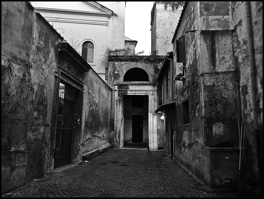 In the narrow streets of theold Ghetto in Rome. | LENS MODEL NOT SET <br> Click image for more details, Click <b>X</b> on top right of image to close