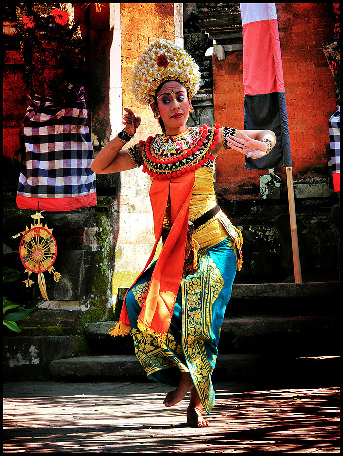 Bali Danseuse | LENS MODEL NOT SET <br> Click image for more details, Click <b>X</b> on top right of image to close