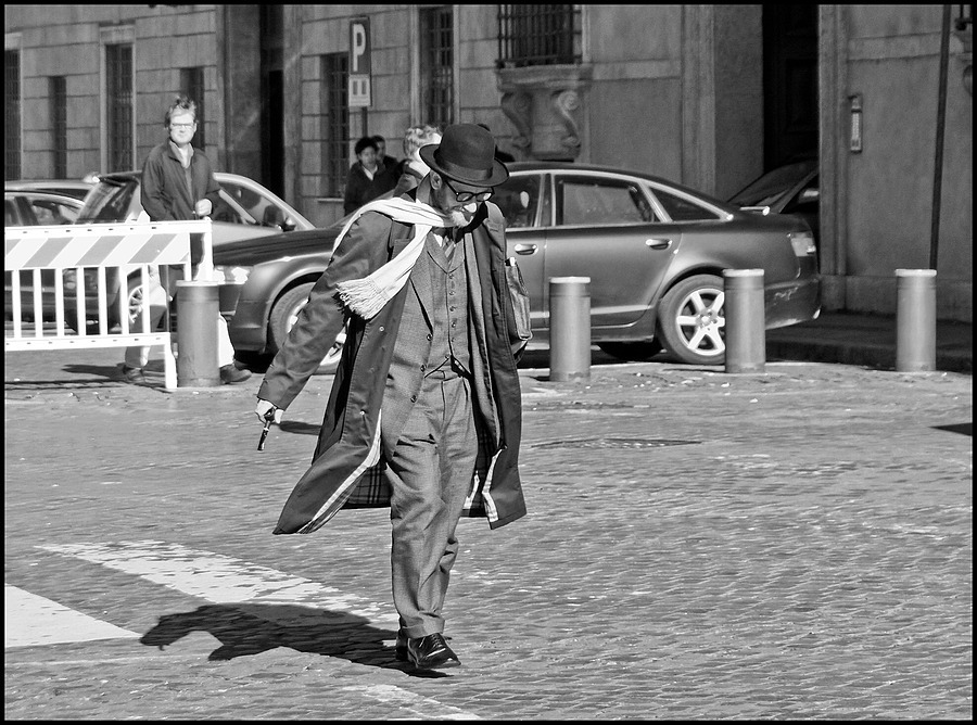Walking in the wind | DC VARIO-ELMARIT 1:2.8/4.5-108 ASPH <br> Click image for more details, Click <b>X</b> on top right of image to close