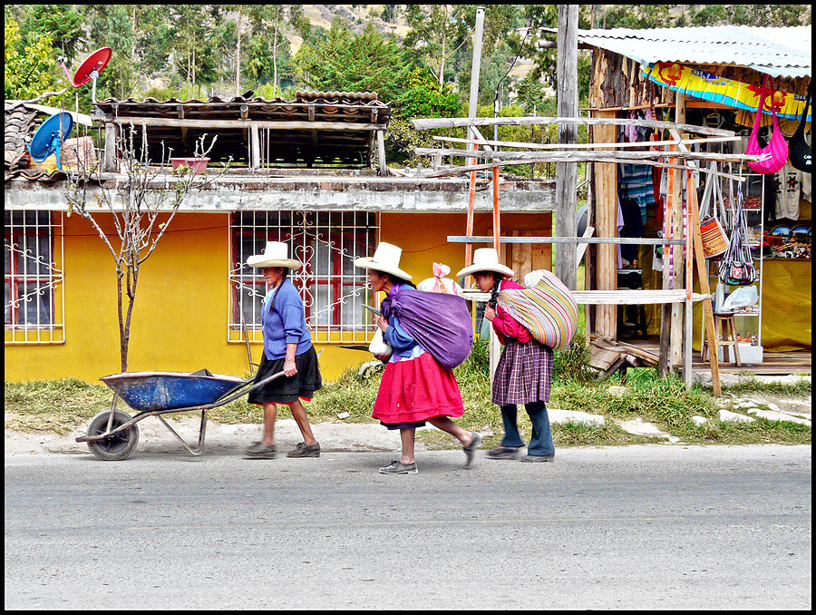 Women of Cajamarca | LENS MODEL NOT SET <br> Click image for more details, Click <b>X</b> on top right of image to close
