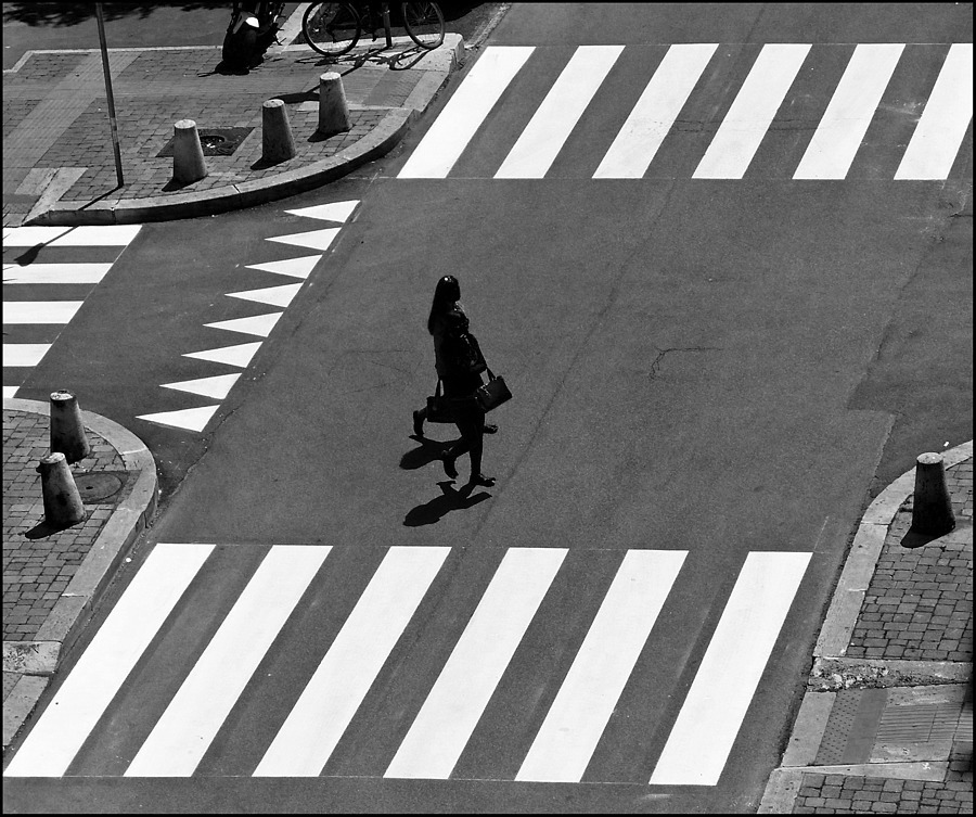 Crossing | DC VARIO-ELMARIT 1:2.8/4.5-108 ASPH <br> Click image for more details, Click <b>X</b> on top right of image to close