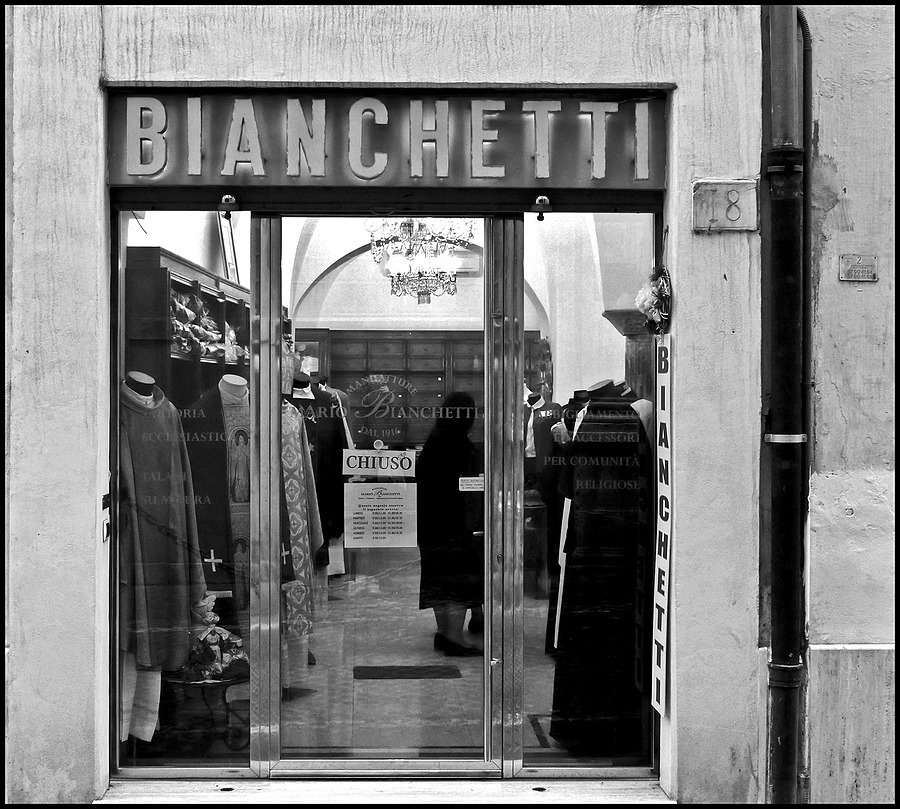 Ancient boutique for religious | DC VARIO-ELMARIT 1:2.8/4.5-108 ASPH <br> Click image for more details, Click <b>X</b> on top right of image to close