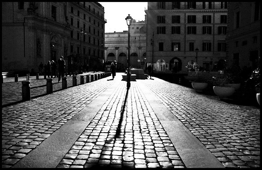 Backlight of San Silvestro's plaza | LENS MODEL NOT SET <br> Click image for more details, Click <b>X</b> on top right of image to close