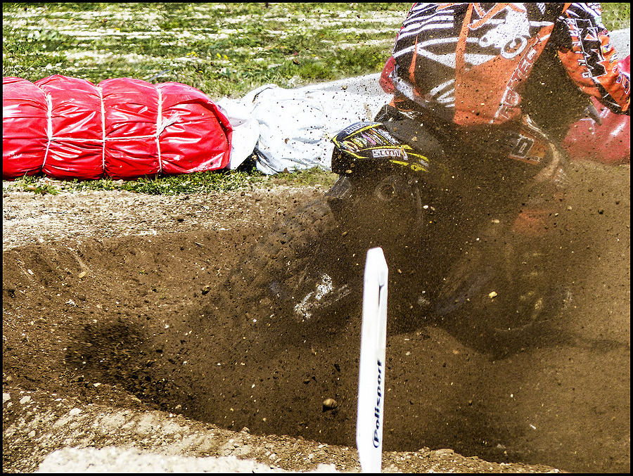 Motocross: mud and sweat | DC VARIO-ELMARIT 1:2.8/4.5-108 ASPH <br> Click image for more details, Click <b>X</b> on top right of image to close