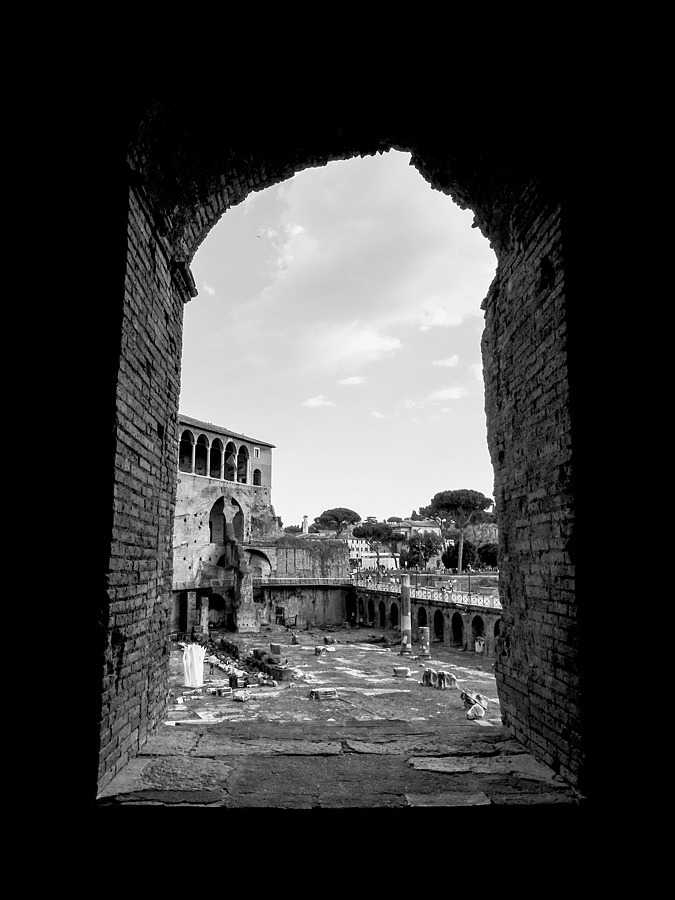 A day at Trajan's market: views | DC VARIO-ELMARIT 1:2.8/4.5-108 ASPH <br> Click image for more details, Click <b>X</b> on top right of image to close