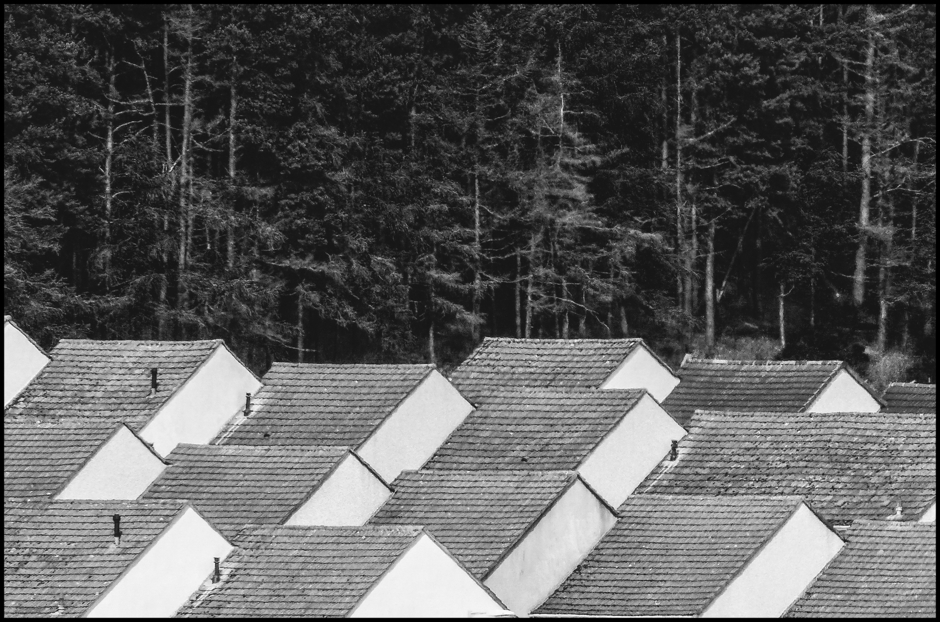 Particular of the roofs of Elgin (Scotland) | DC VARIO-ELMARIT 1:2.8/4.5-108 ASPH <br> Click image for more details, Click <b>X</b> on top right of image to close
