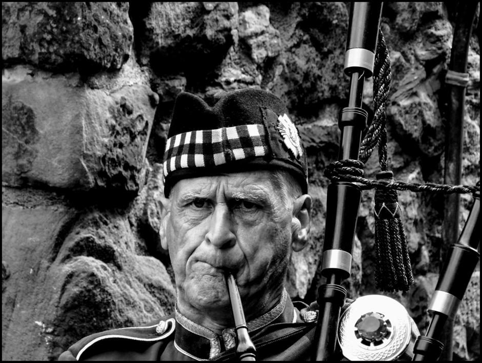 leicaimages.com gallery | Scottish pride | DC Vario-Elmarit 1:2.8/4.5-108 ASPH | DMC-FZ200