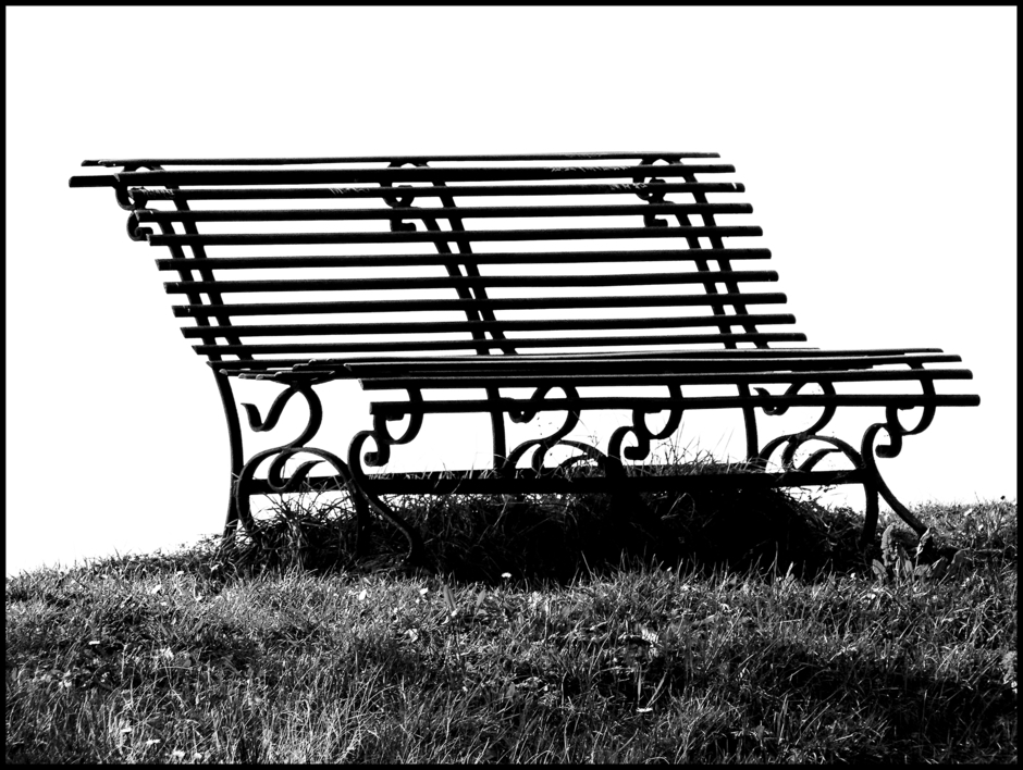 A bench and the space | DC VARIO-ELMARIT 1:2.8/4.5-108 ASPH <br> Click image for more details, Click <b>X</b> on top right of image to close