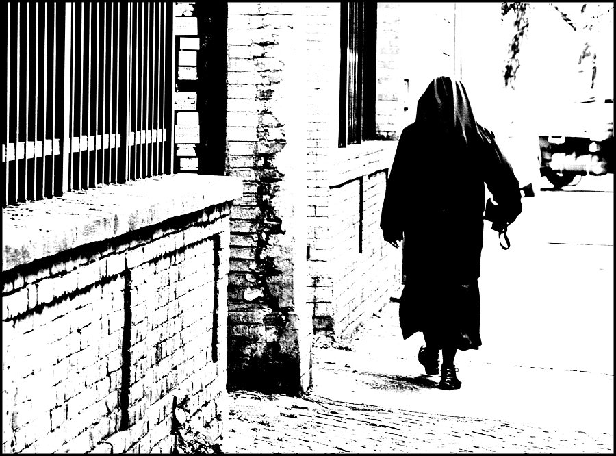 A nun | LENS MODEL NOT SET <br> Click image for more details, Click <b>X</b> on top right of image to close