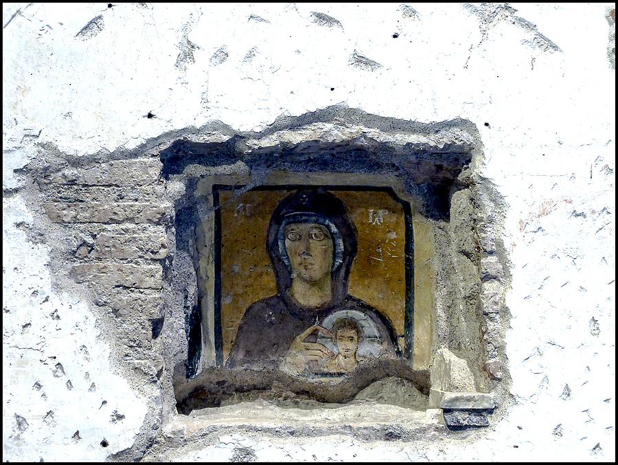 Santa Maria Antigua:Chapel in N.W. corner dedicated to the Virgin with the Child in the nich | DC VARIO-ELMARIT 1:2.8/4.5-108 ASPH <br> Click image for more details, Click <b>X</b> on top right of image to close