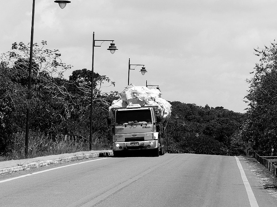 On the road | LEICA DC VARIO-ELMARIT 1:2.8/4.5-108 ASPH <br> Click image for more details, Click <b>X</b> on top right of image to close