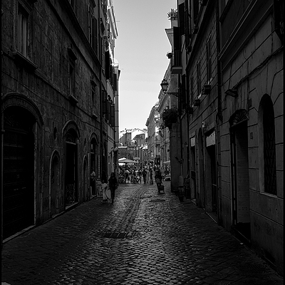Towards Campo de Fiori | LENS MODEL NOT SET <br> Click image for more details, Click <b>X</b> on top right of image to close