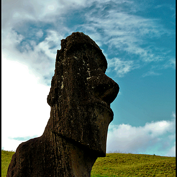 The Lone Moai | LENS MODEL NOT SET