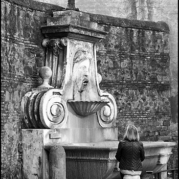Fountain of the Mask in Via Giulia | DC VARIO-ELMARIT 1:2.8/4.5-108 ASPH <br> Click image for more details, Click <b>X</b> on top right of image to close