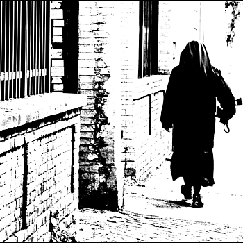 A nun | LENS MODEL NOT SET