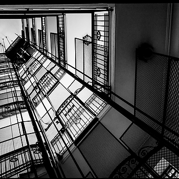 Elevator in the Umbertini palaces of the Prati district of Rome | LENS MODEL NOT SET