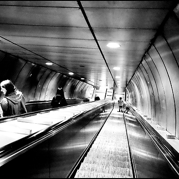 Manzoni underground | LENS MODEL NOT SET