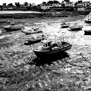 Saint Pierre Quiberon: low tide marina | LENS MODEL NOT SET <br> Click image for more details, Click <b>X</b> on top right of image to close