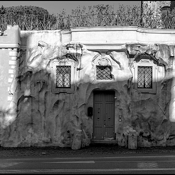 Rome:Original stretch of the main entrance of the Villa del Vascello | DC VARIO-ELMARIT 1:2.8/4.5-108 ASPH