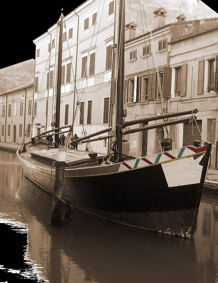 Comacchio | LENS MODEL NOT SET <br> Click image for more details, Click <b>X</b> on top right of image to close
