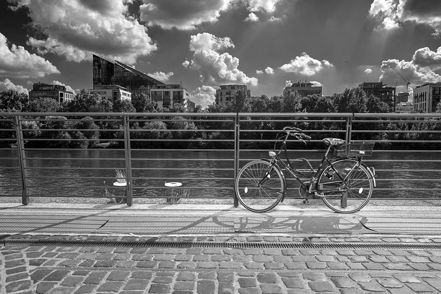 Bike on river | LEICA 28MM SUMMILUX F1.7 AF <br> Click image for more details, Click <b>X</b> on top right of image to close